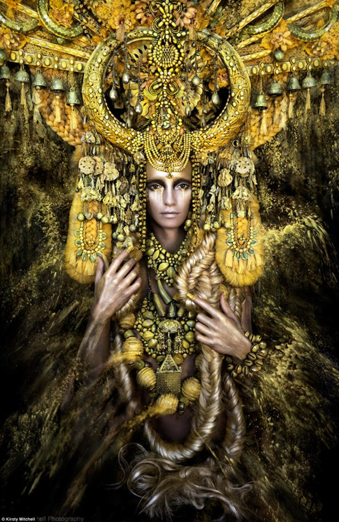 Kirsty_Mitchell-Wonderland_Gaia_BeautifulBizarre