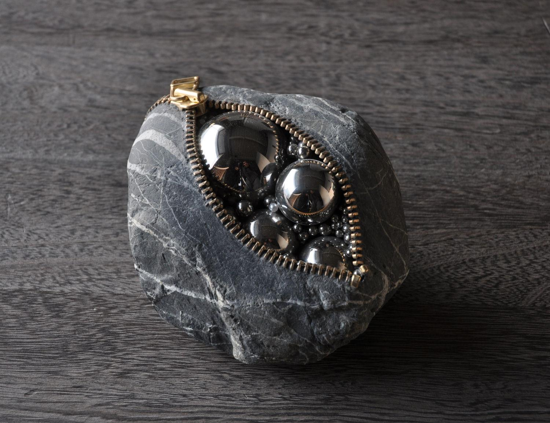 Hirotoshi Ito - surrealistic stone sculpture