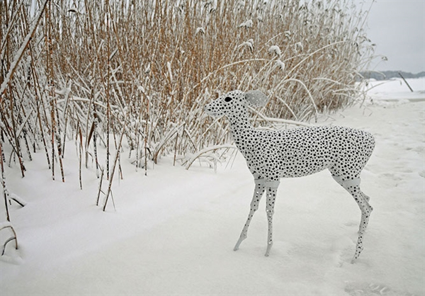 Camouflage deer (2009)