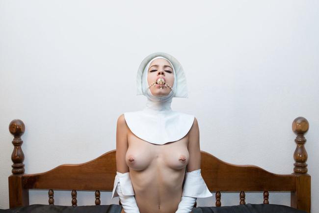 Karen Hsiao - Atrementum @ Vanilla Gallery - via beautiful.bizarre