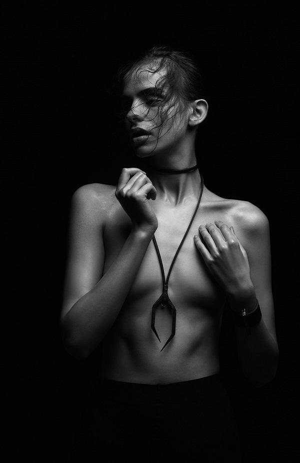Anu_Tera_Sandra_palm_photography_herkimer_necklace_beautiful_bizarre
